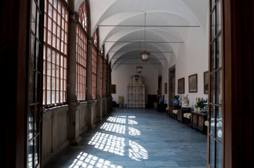 Hallway_i