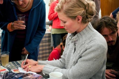 Helene_signing