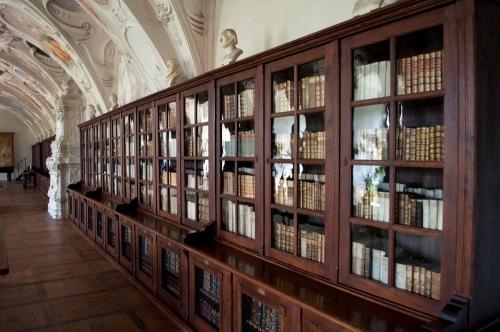 Library_i