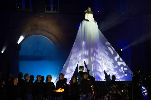 Lysfest kjole - Jacob Schultz